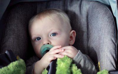 A FJLES é a favor da manutenção do uso da CADEIRINHA para crianças nos automóveis